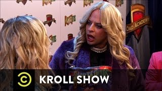 Kroll Show - PubLIZity - Liz G. on the Red Carpet