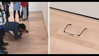 'Modern Art' Fans Fooled By A Pair Of Glasses
