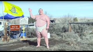 Right-Wing Militant Challenges Chris Christie To Sumo Match In Bizarre Video