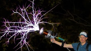 Handheld TESLA COIL GUN at 28,000fps - Smarter Every Day 162