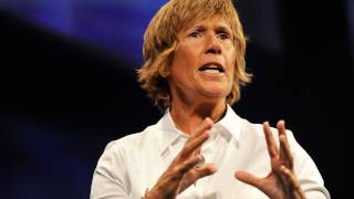 Diana Nyad: Extreme swimming with the world's most dangerous jellyfish