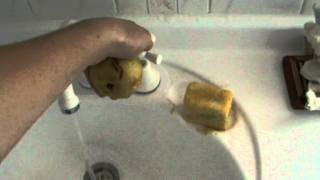 How To Wash a Pear