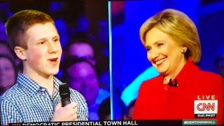 Were Questions Planted At The CNN #DemTownHall In Iowa?