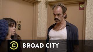 Broad City - Creepy Locksmith